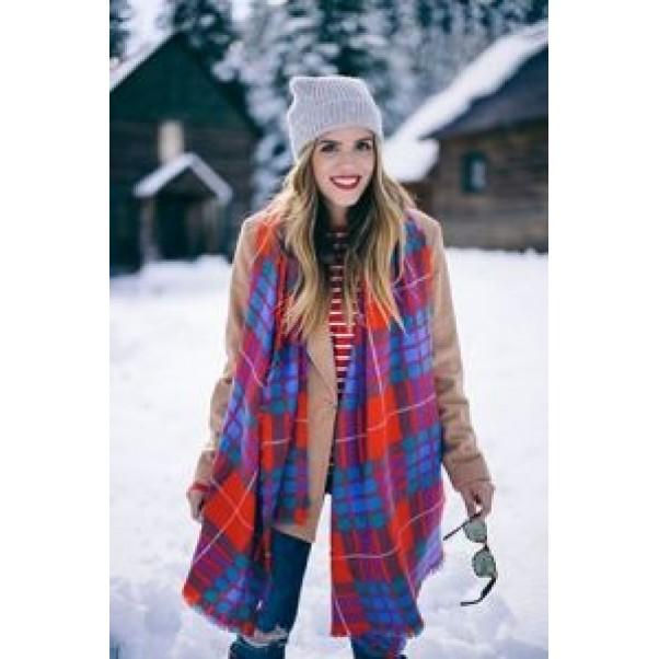 Зимата и светлото облекло